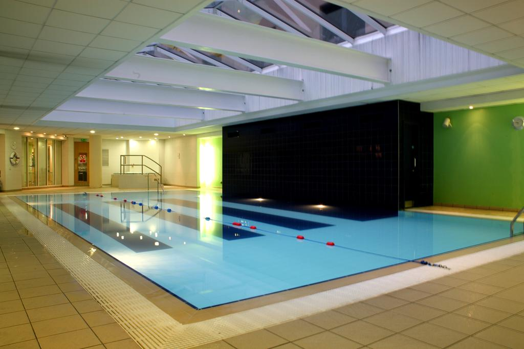 Accommodation eikon for Family hotels belfast swimming pool
